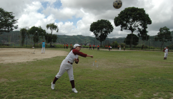 Partido de Kickingball: CNTI vs. Movilnet